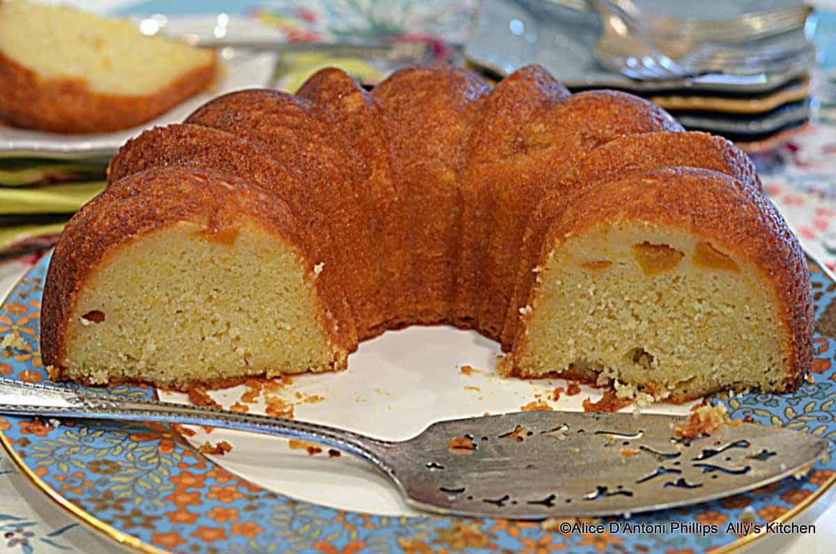 Peaches & Cream Parfait Cake