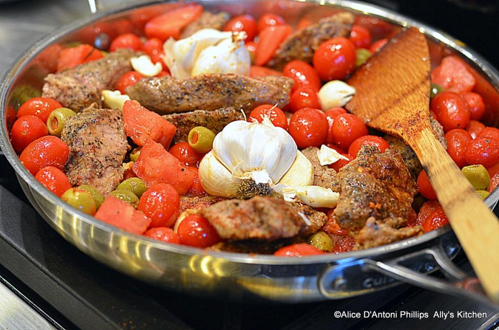 Temrika Meslalla (Garlic Beef with Green Olives)