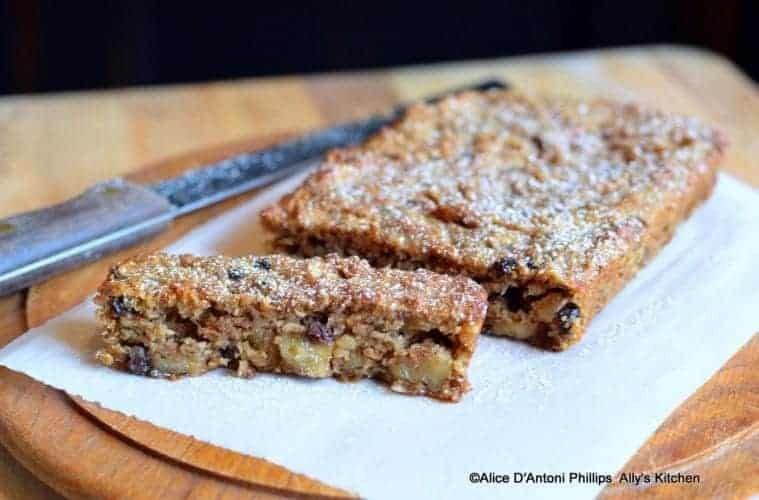 Applesauce Currant Walnut Bread