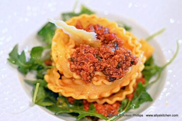 Bolognese with Ricciarelle Pasta