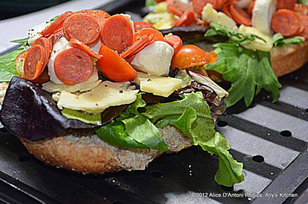 hamburger bun baby pizza