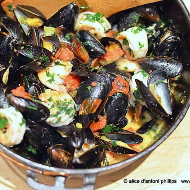 ~mussels shrimp & pasta~
