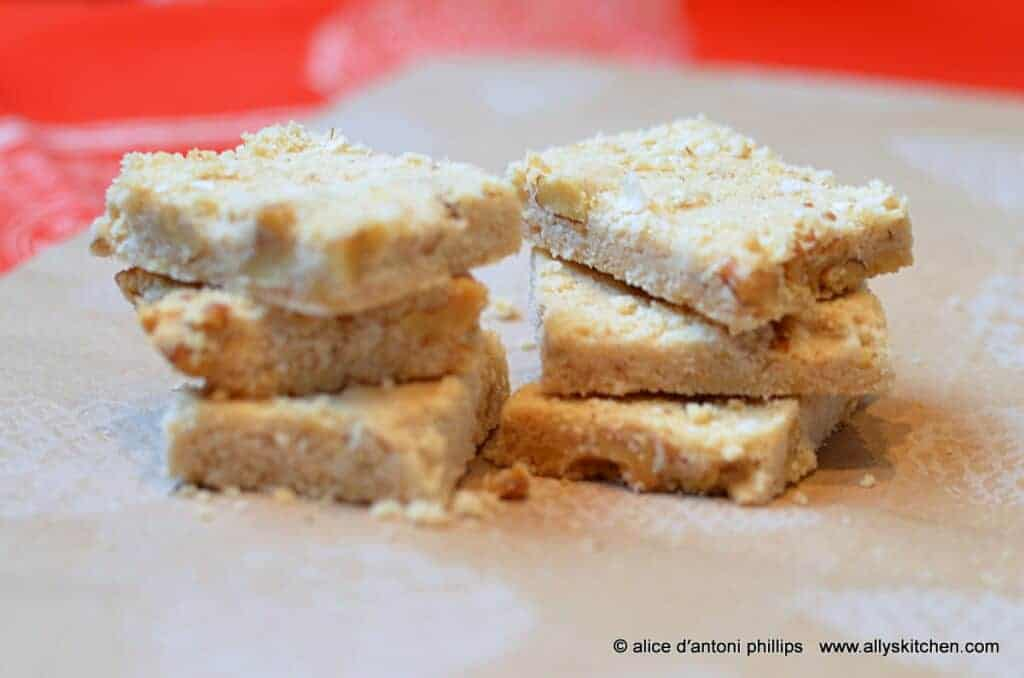 ~spiced walnut sandies~