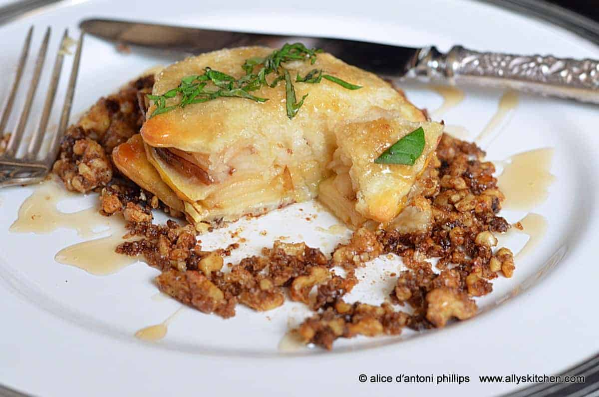 ~apple pear pie stackers with spiced roasted walnuts & balsamic reduction~