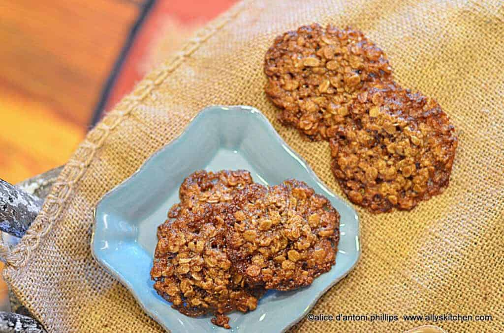 ~madam's lace cookies~