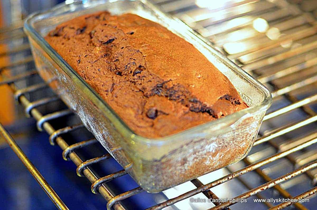 ~chocolate banana buttermilk bread~