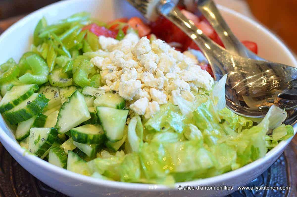 ~iceberg gorgonzola salad~
