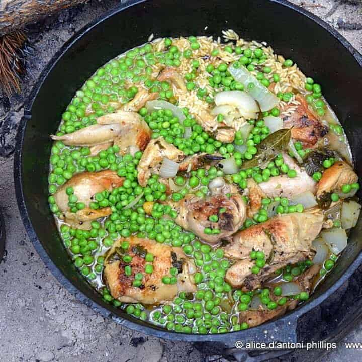 ~dutch oven garlic chicken jasmine rice & peas~