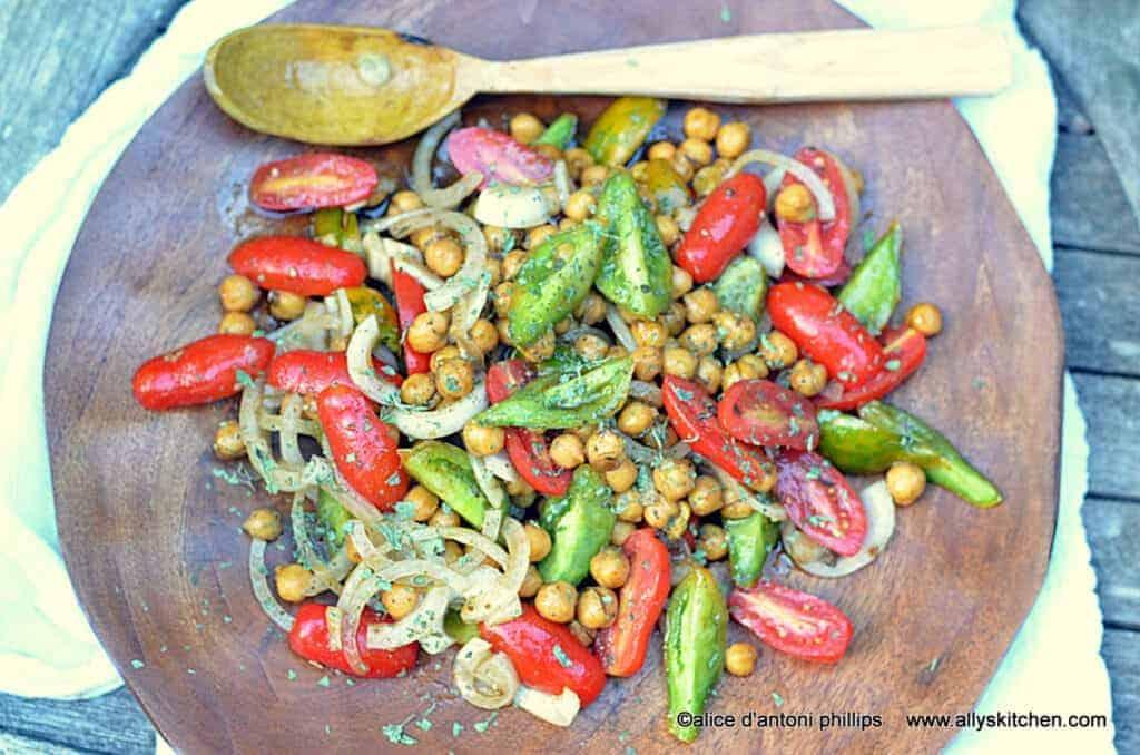 za'tar garbanzo beans & heirloom tomatoes~