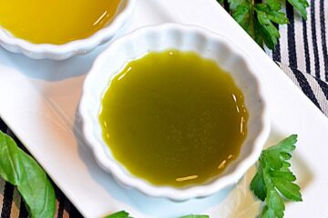 ~emerald green dipping olive oil~