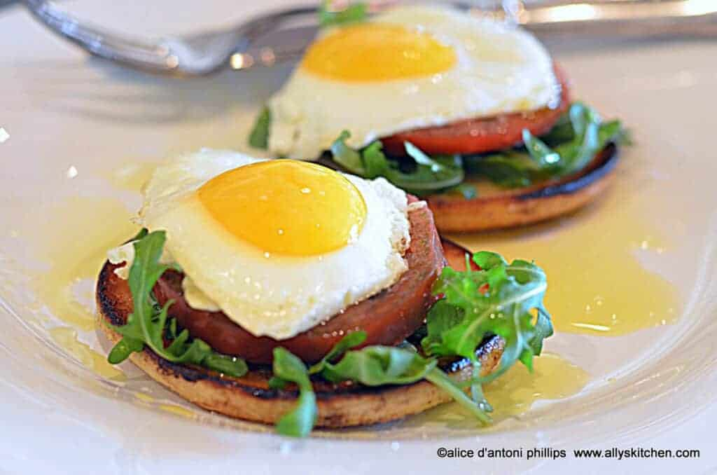 https://allyskitchen.com/2014/06/26/grana-padano-caprese-eggs/