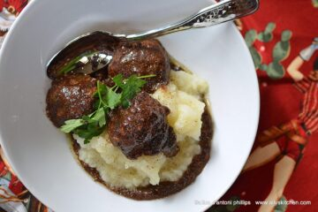 country style beef meatballs with gravy