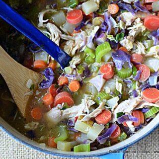 eastern european chicken cabbage soup