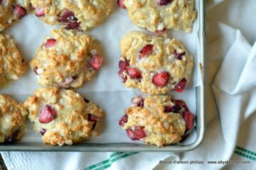 strawberry biscones
