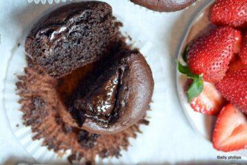 turkish strawberry chocolate cupcakes