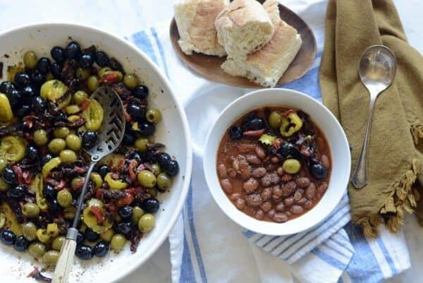 deli olive mix