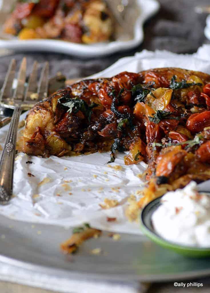 http://allyskitchen.com/heirloom-tomato-onion-tarte-tatin/