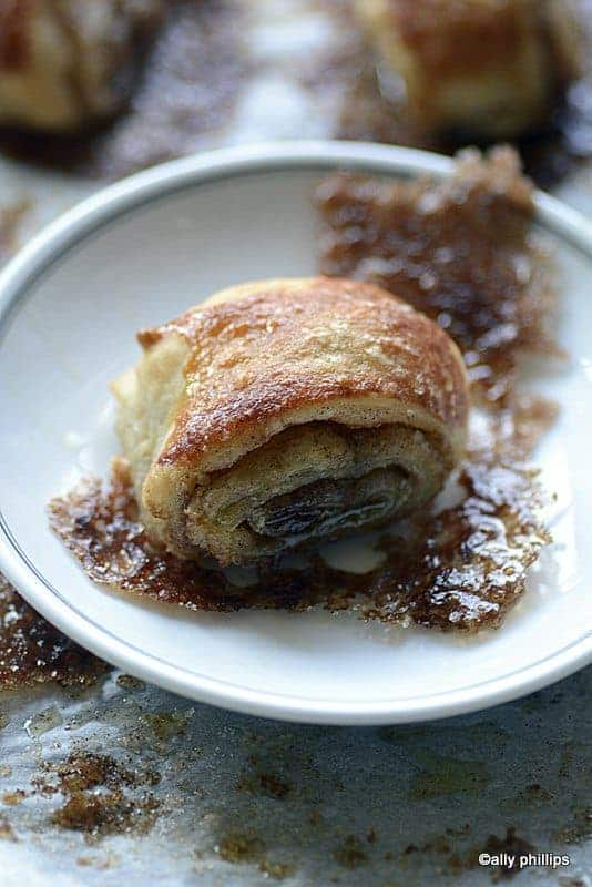 french almond cinnamon pastry puffs