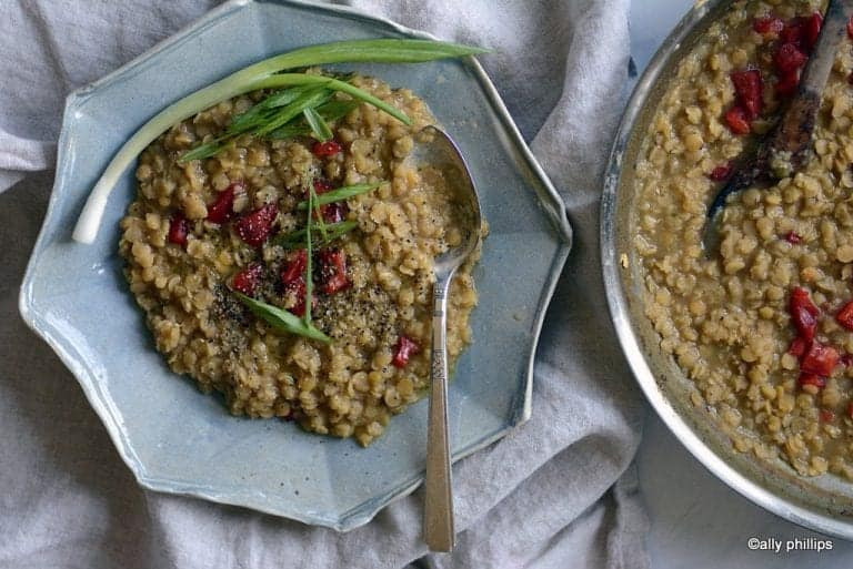thick red lentils & red peppers