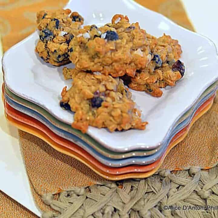 wild blueberry pistachio oatmeal cookies