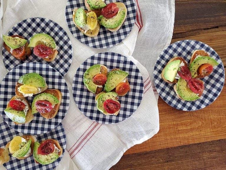 avocado garlic crostini