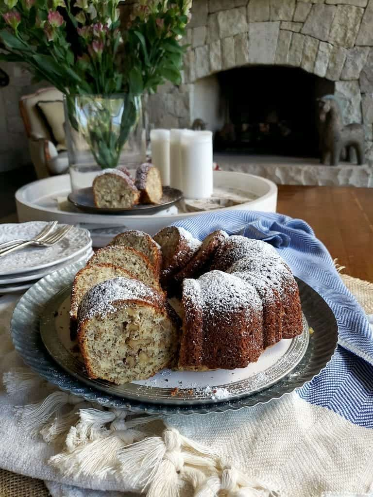banana walnut bundt cake