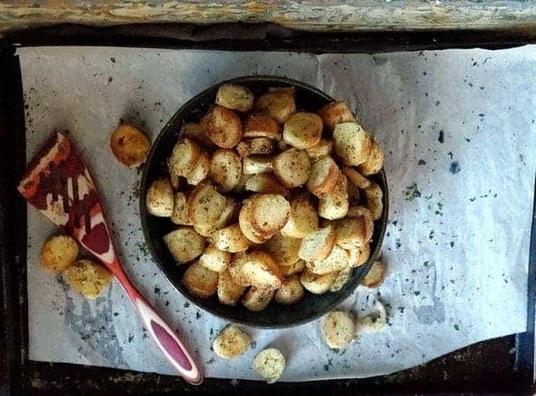 bagel garlic butter croutons