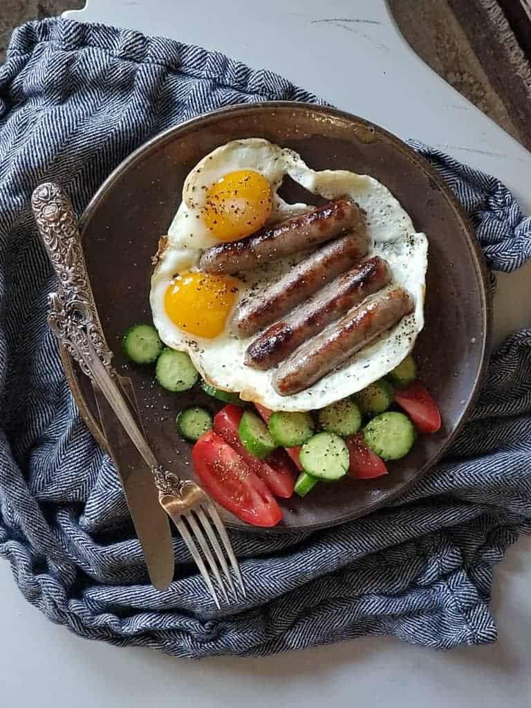 sausage links eggs
