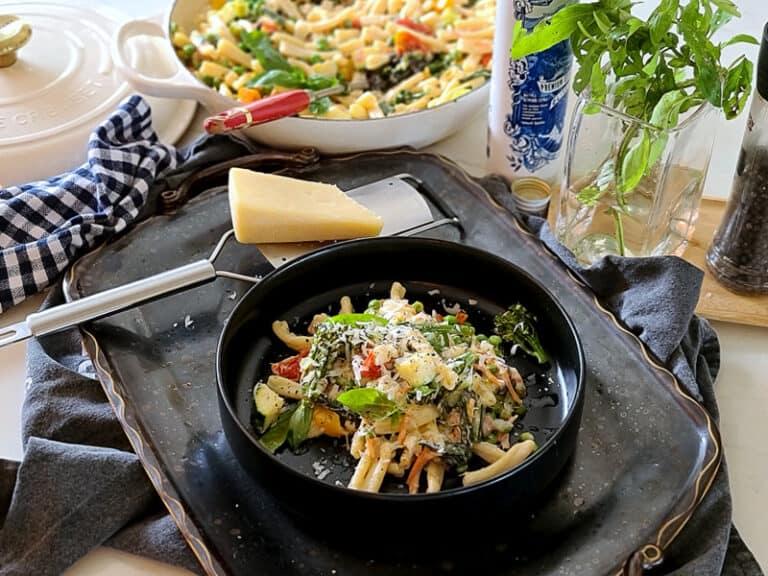 Easy Creamy Fresh Vegetable Pasta