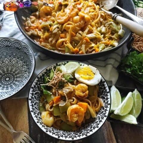 Thai Red Curry Shrimp Noodles